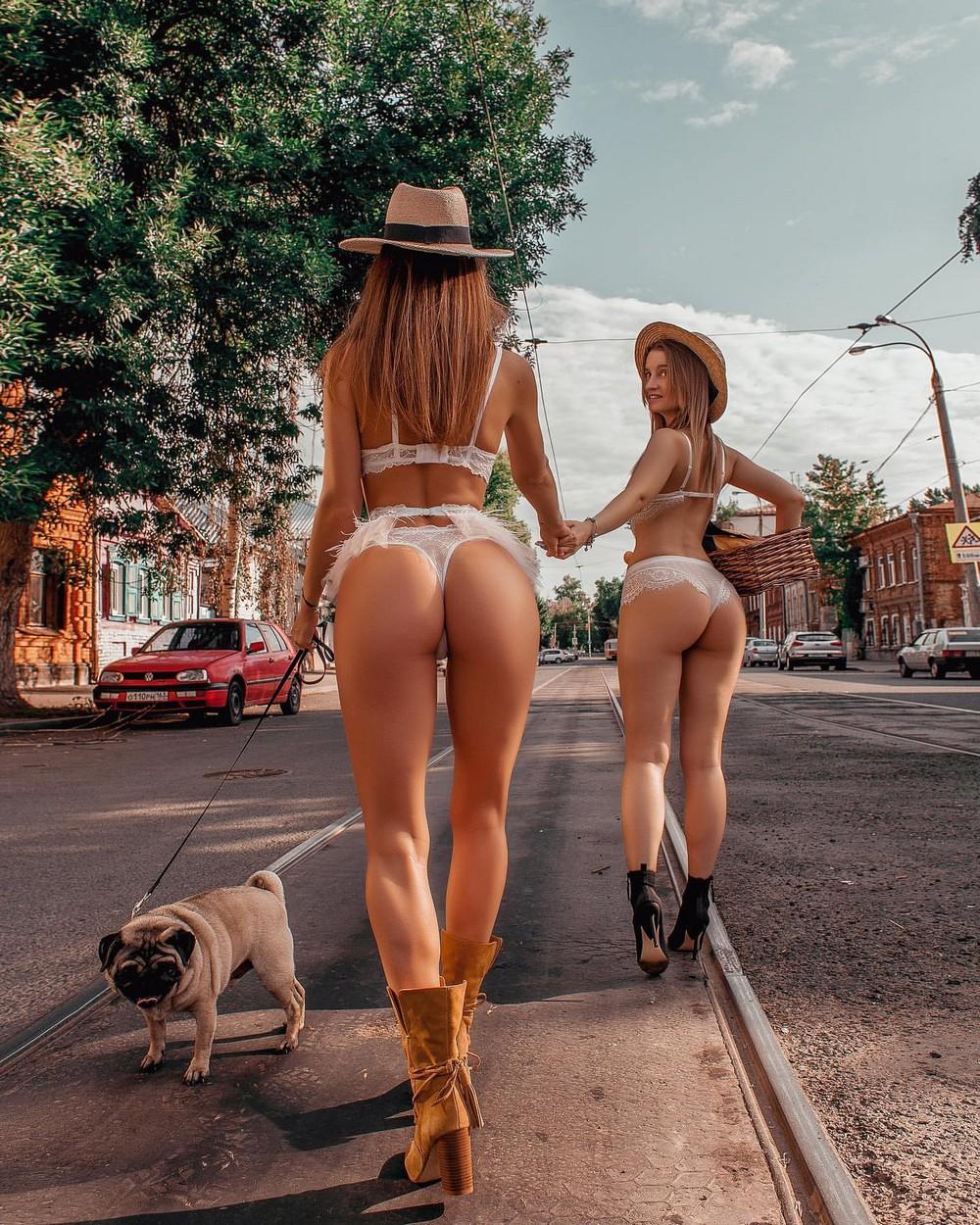 Пошлые Девушки (40 фото) 18+