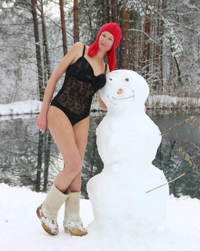Девушки Зимой закаляются (15 фото)