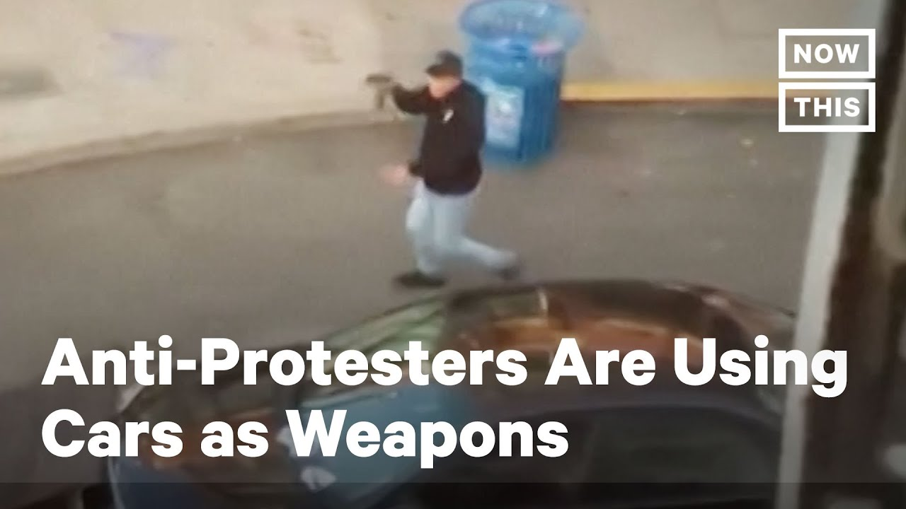 США. Водители въезжающие в Протестующих. Anti-Protesters Are Driving Their Cars Into Crowds of Demonstrators | NowThis