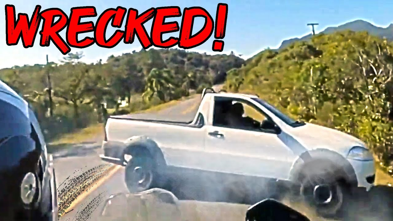 Мото Жесть - Truck Driver WRECKED In Front Of Biker - ROAD RAGE & Motorcycle Mishaps 2020 (Ep. #74)